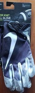 Nike Vapor Flyknit Football Gloves